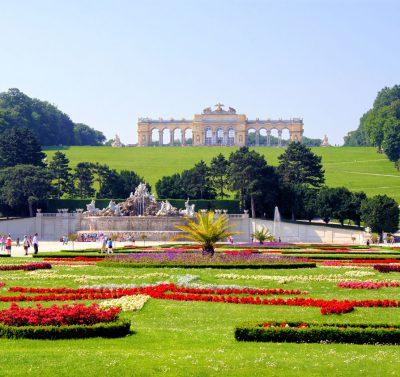 Park przed Schoenbrunn, Wiedeń, Austria