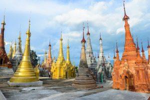 wieżyczki świętynii w Birmie