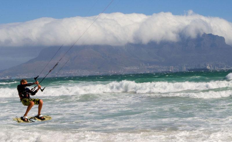 Kitesurfing w cape town