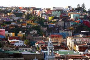 Kolorowe budynki w Valparaiso, Chile