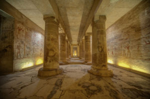 Wnętrze świątyni w Egipcie