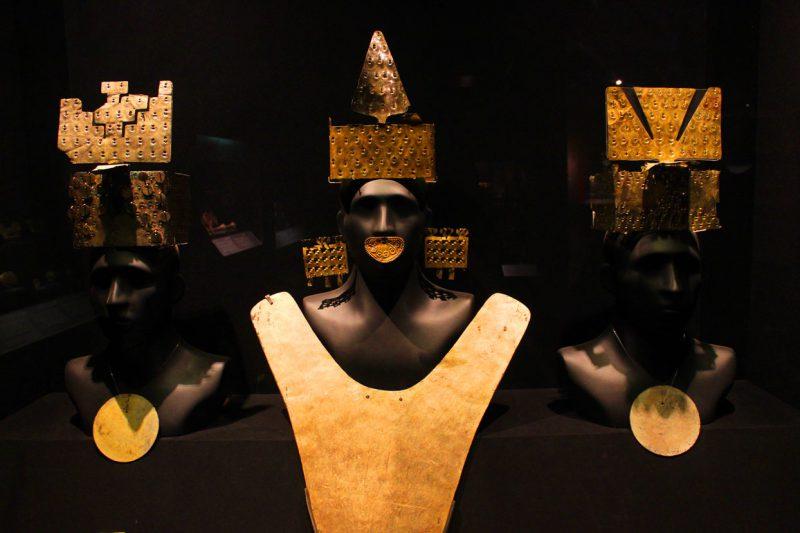 Rzeźby w muzeum, Lima, Peru