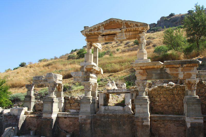 zabytkowe ruiny w mieście Efez