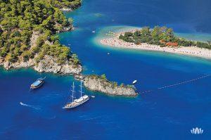 widok z lotu ptaka na zatokę Mugla w Turcji