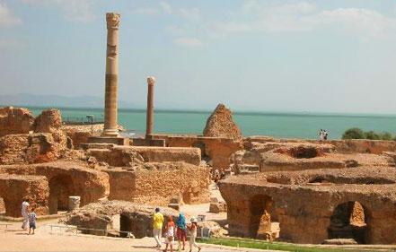 Turyści tunisie