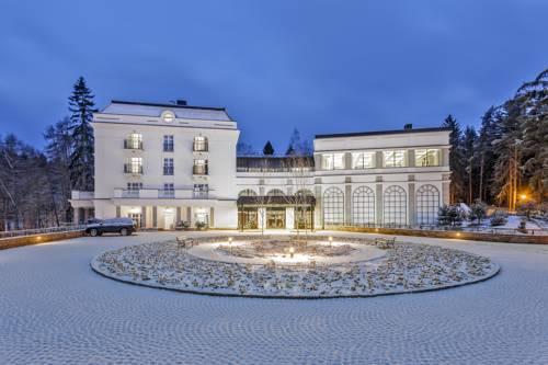 Hotel i SPA dr Irena Eris w Polanicy Zdrój zimą
