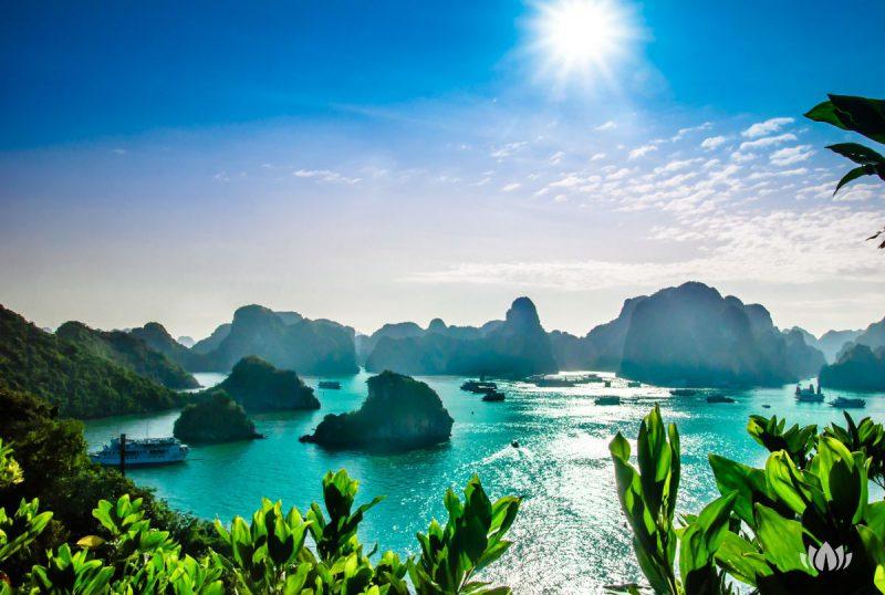 Krajobraz na zatokę w Ha Long,