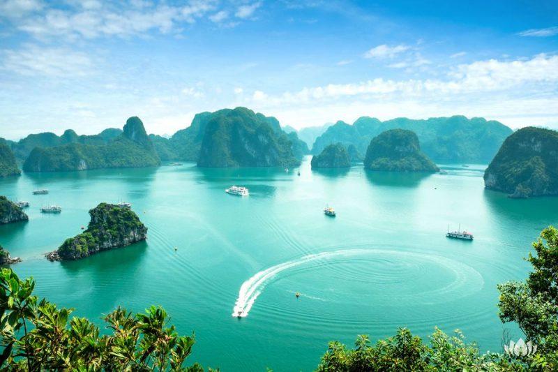 Widok na zatokę Tońską, Ha Long